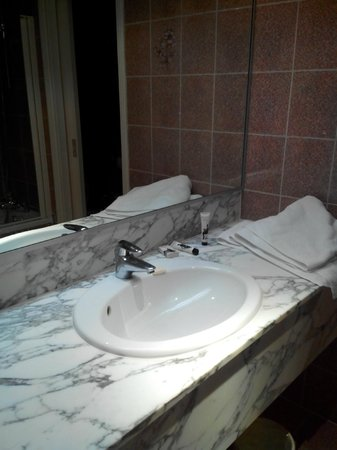 B4 Plaza Nice : ванная