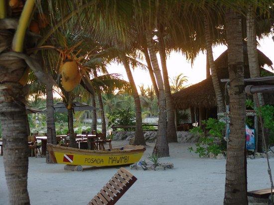 Barquito Mawimbi Beach Bar & Restaurant: Mawimbi's beach front & restaurant