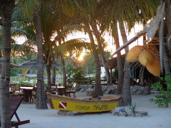 Barquito Mawimbi Beach Bar & Restaurant: Sunrise over Mawimbi's