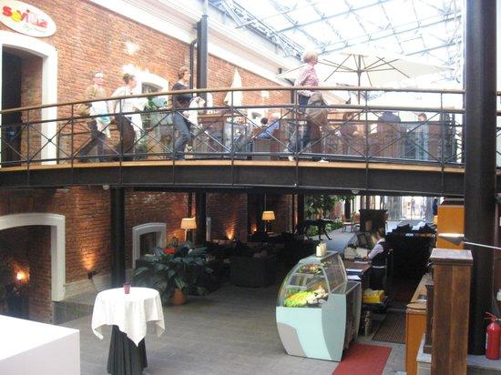 Solo Sokos Hotel Palace Bridge: patio
