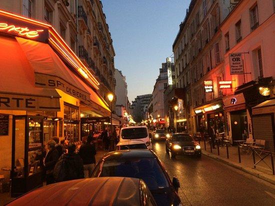 Mercure Paris Gare Montparnasse : Rue de la Gaite