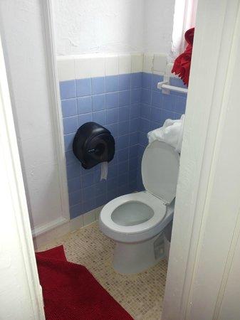 Ocean Blue Hostel : bagno