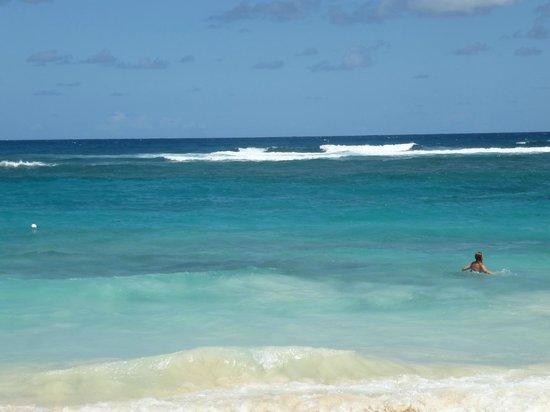 Majestic Colonial Punta Cana: C'est l'Atlantique, avec ses vagues et ses courants