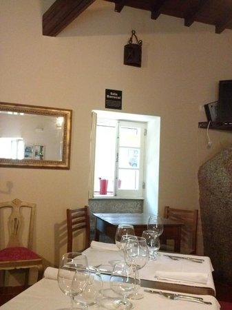 Petiscos E Granitos: Sala de Jantar