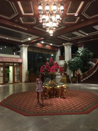 Empress Hotel: Impressive reception