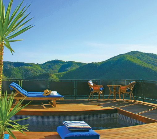 Fountainhead All Suite Retreat Hotel: suites, private terrace, private plunge pool, mountain view