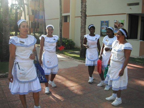 Viva Wyndham Dominicus Beach : gruppo di donne addette alle pulizie stanze