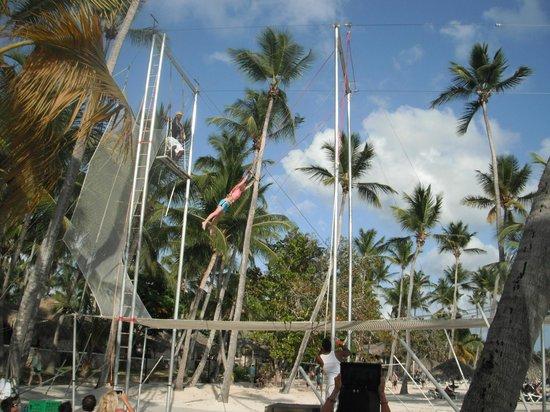 Viva Wyndham Dominicus Beach : il trapezio nel villaggio