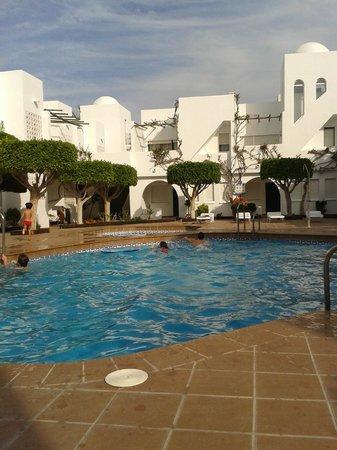 Apartamentos Torrelaguna: piscinas
