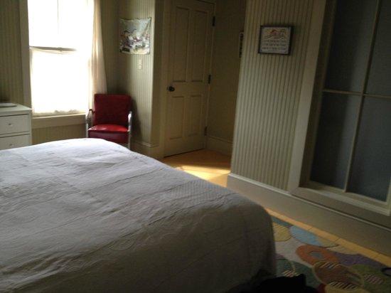 The Porches Inn at MASS MoCA : Shabby Chic