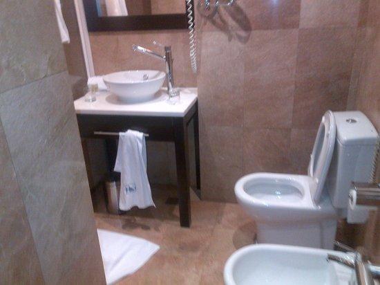 Eurostars Monumental : salle de bains