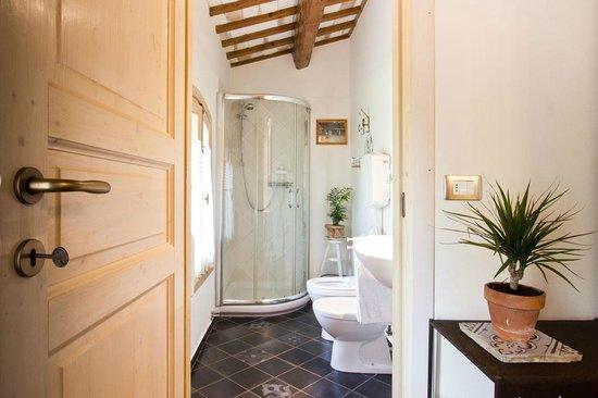 Ca' Barbona: bagno camera