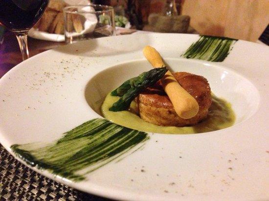 Osteria Locanda Il Canto del Maggio: Tortino su crema di asparagi