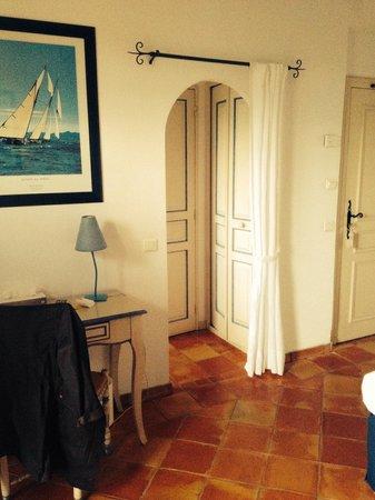 La Bastide du Port : Bathroom entrance