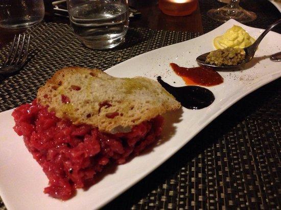 Osteria Locanda Il Canto del Maggio: Tartare di carne con marmellate