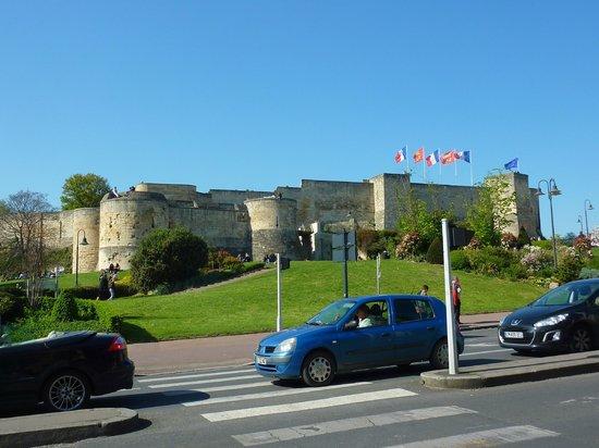 Chateau Ducal: château vu de la ville