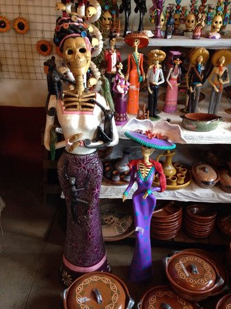 Capula, Mexico: cheap and you can find a good items