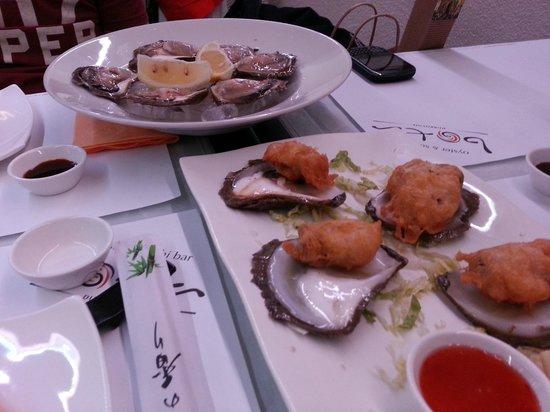 Oyster & Sushi Bar Bota : Raw & fried oysters