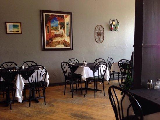 Coach's Pub and Grillhouse: April 19 2014