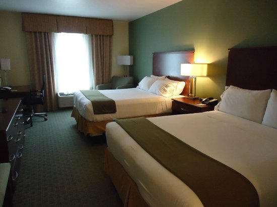 Holiday Inn Express Cocoa: Our beautiful room!