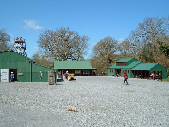 Dolaucothi Gold Mines: Further views, entrance building, shop and cafe.