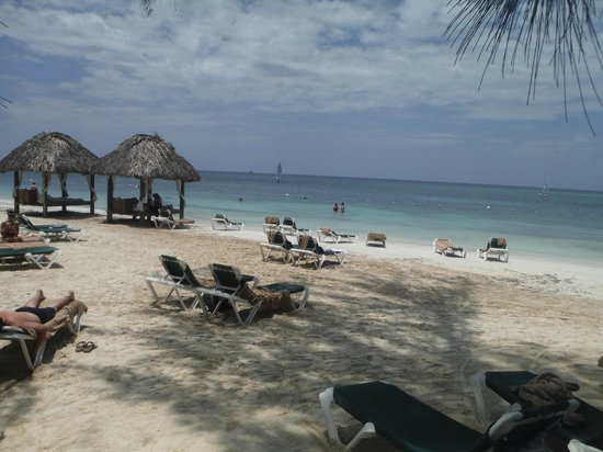 Sandals Montego Bay: beach