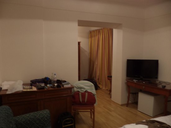 Hotel King George: spacious with a dressing room