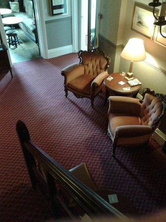 Stuart House Hotel: Drawing Room
