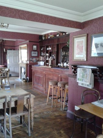 Stuart House Hotel : Pub