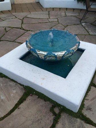 The Cottage Inn & Spa: Courtyard fountain