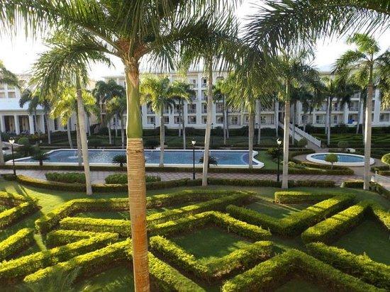 Hotel Riu Palace Punta Cana : grounds