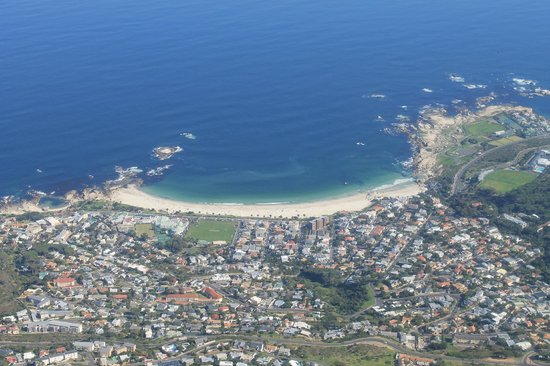 Kumbaya House West Beach Cape Town: View over Cape Town from Table Mountain