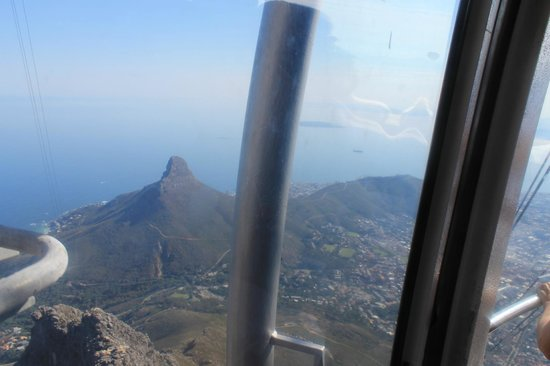 Kumbaya House West Beach Bloubergstrand Cape Town: Table Mountain Cable Car