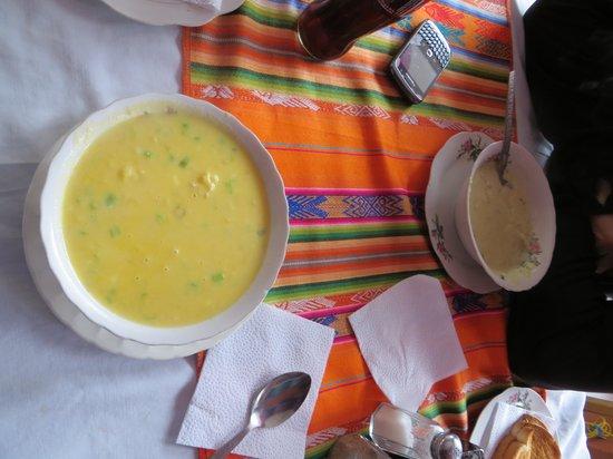Erupcion Art Hotel & Hostel : excelentes sopas cremas