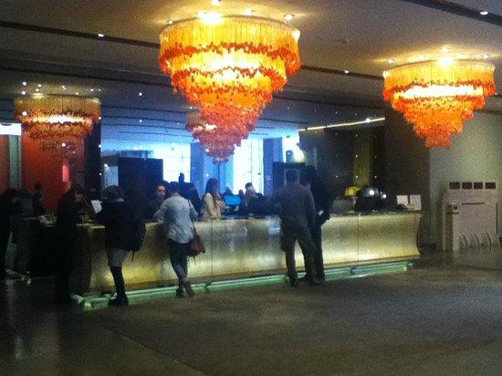 nhow Milano: Nhow lobby