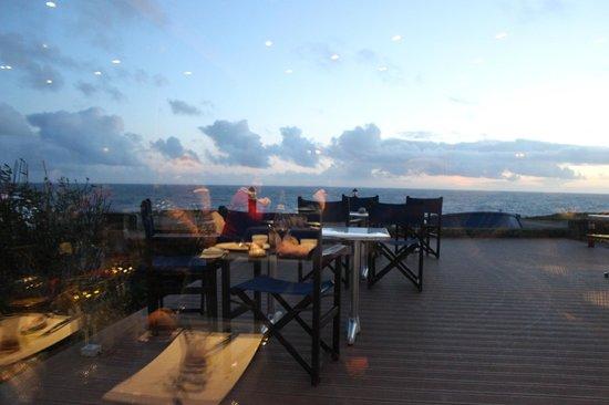 Ar Men Du : La vue le soir du restaurant