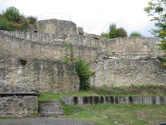 Kyrburg, Whisky-Museum und Restaurant: Kyrburg Ruine