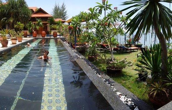 Lost Paradise Resort : la piscine d'eau salée