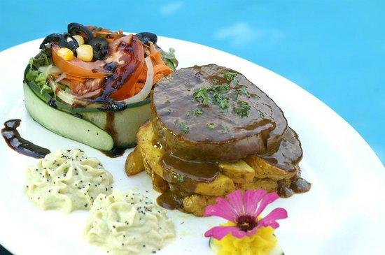 Restaurante El Rancho en Hotel Villas Río Mar: Lomito