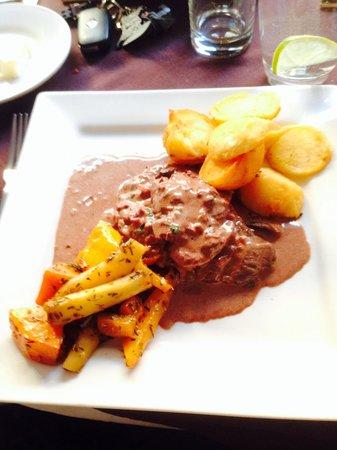 Sophia's: Steak Diane