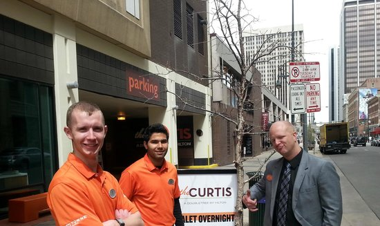 The Curtis Denver - a DoubleTree by Hilton Hotel: Friendly Valet Staff and Concierge