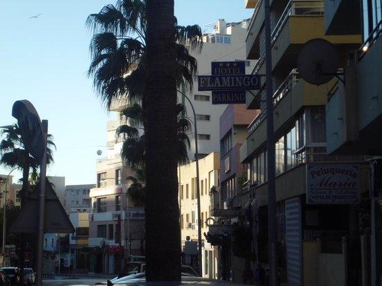 Roc Hotel Flamingo: PARTE DE LA FACHADA DEL HOTEL
