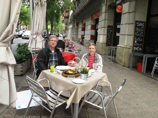 Restaurante Maribarbola: Enjoying our paella