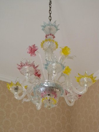 Hotel Montecarlo: Our chandelier