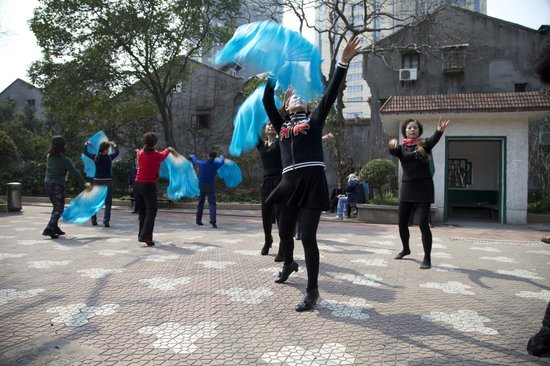 Shanghai Pathways-Private One-day and Walking Tours: Weekend exercise.