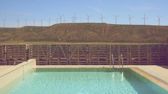 Hotel Aire de Bardenas : Desde la piscina