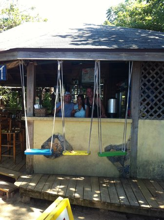 Las Rocas Resort & Dive Center: bar