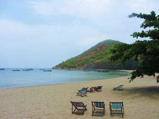 Starlight Resort: Lovely, deserted beach
