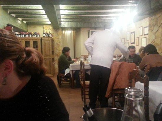 El Figon de Eustaquio : comedor con mucho calor