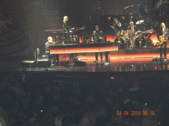 Elton John - The Million Dollar Piano: GENIAL